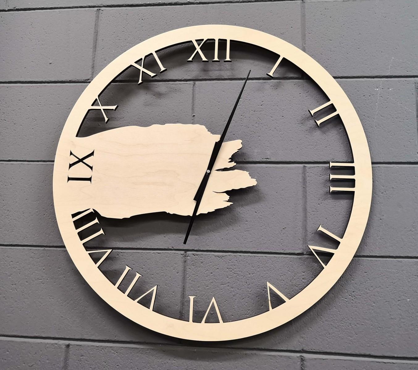 Orologio-realizzato-a-Laser-in-legno
